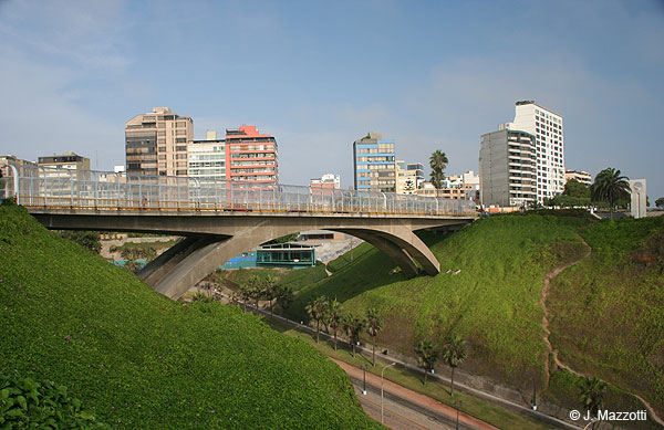 Villena bridge - Miraflores